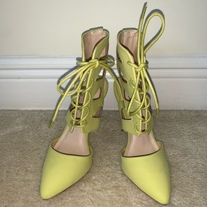 Anne Michelle Lime Green Tie Up Heels, Size 6.5
